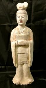 Figura di dignitario in terracotta