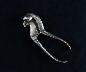 Antico schiaccianoci di Betel in argento