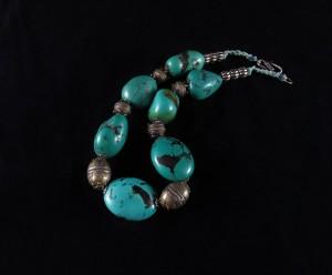 Collana con turchesi e argenti antichi