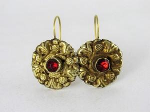 Antichi orecchini Tamang in oro
