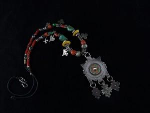 Collana berbera in corallo e argenti