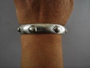 Antico bracciale tribale in argento