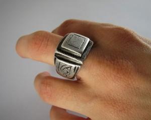 Antico anello berbero in argento