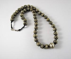 Collana con antichi argenti berberi