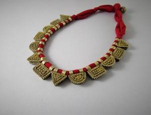 Collana etnica in argento dorato