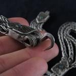 Antico ornamento da cavallo in argento, corallo e turchesi