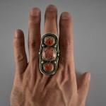 Antico anello tibetano con coralli