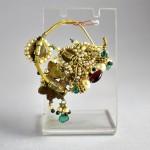 Antico Orecchino indiano in oro 22 carati e pietre dure