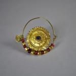 Antico orecchino da naso in oro - Asia Centrale