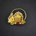 Antico orecchino da naso in oro, perle e pietre dure
