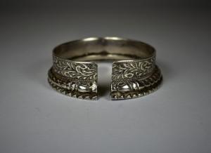 Antico bracciale indiano in argento